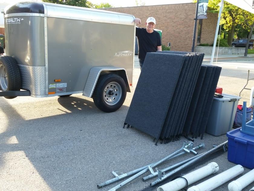 unloading trailer